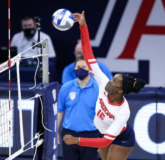 Women's college volleyball: Arizona upsets No. 7 Stanford to complete the weekend sweep