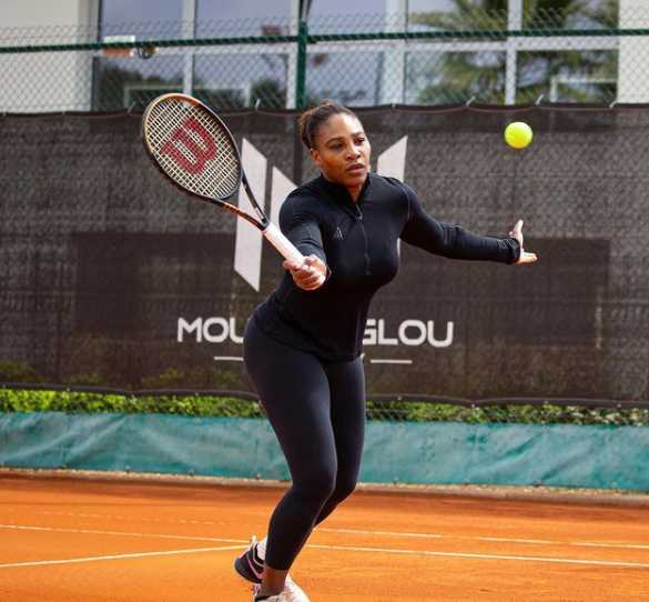 Serena Williams powers into French Open fourth round to spice up record hopes