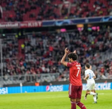 Lewandowski scores twice as Bayern Munich demolish Dynamo Kiev